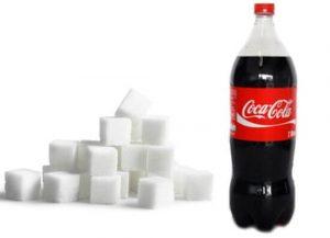 quanto açúcar tem numa lata de coca-cola